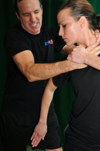 Krav Maga technique: hit to the groin by female defender